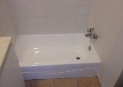 Émaillage de bain avec douche téléphone après Shawinigan | Émaillage Bo-Bain Victoriaville